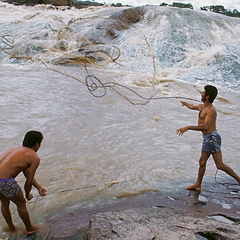 Commercial fishing at the Cachoeira do Teotônio near Porto Velho, Rondônia.